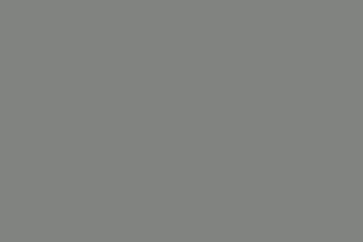 【JKの潮ふき・オナニー動画】発育途上のJKのマンコに野太い擬似ペニスが飲み込まれるディルドオナニー