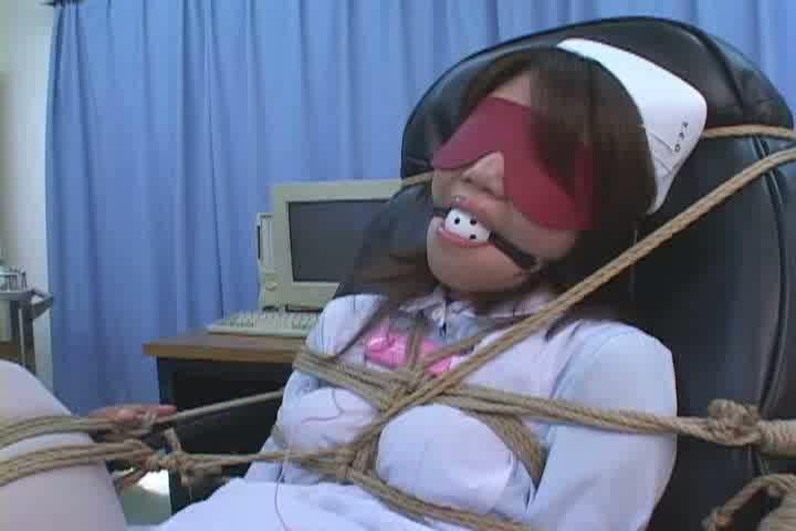 マンコ思いっきりくぱぁクリトリスローター地獄動画。ガッチリ拘束激しくエッチな看護師に大人の玩具使ってレイプ